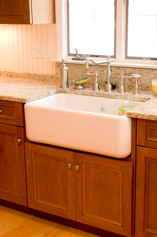 Custom Kitchen Cabinets with a Farm Sink | Glastonbury CT