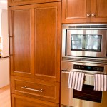 Kitchen cabinets with a built-in Sub-Zero refrgerator in Glastonbury, CT